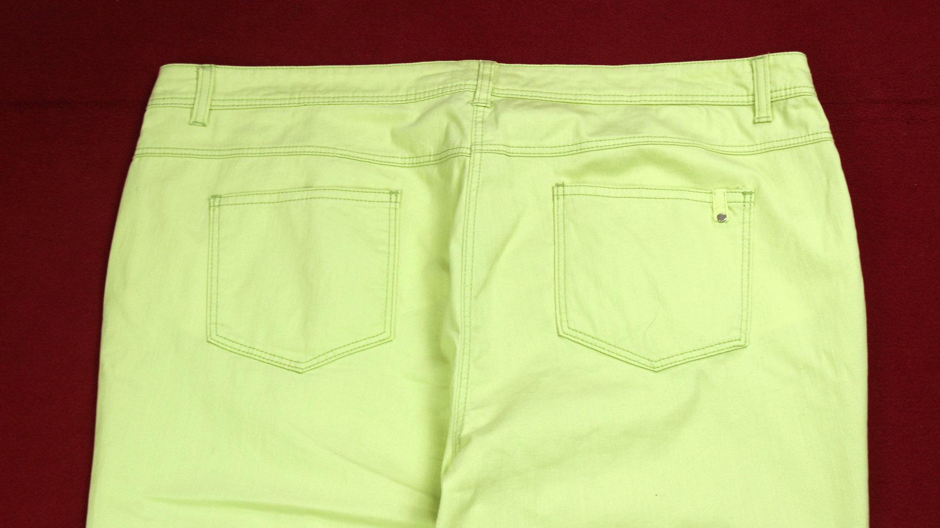 C&A 34 Stretch Sommer Hose Jeans Capri hellgrün